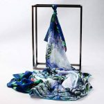 Prettystern - Peinture sur soie 160cm art print foulard de soie Claude Monet - différents modèles de la marque Prettystern image 1 produit
